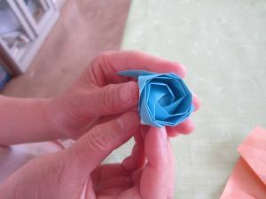 折り紙ばら2
