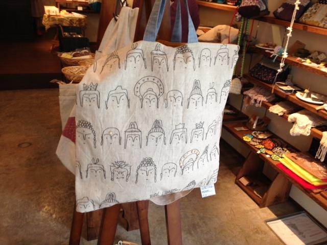タナカカヨさん鞄