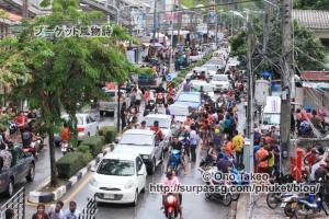 この記事「タイ・プーケット水掛け祭り2013」の写真 (370-237)