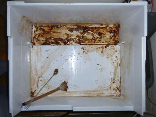 余ったら冷蔵庫も重曹でお掃除