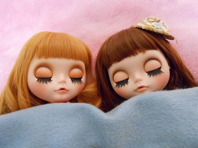 5 アンナとナナの寝顔