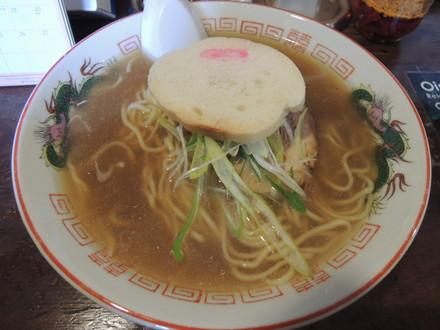しょうゆ味ラーメン(500円)