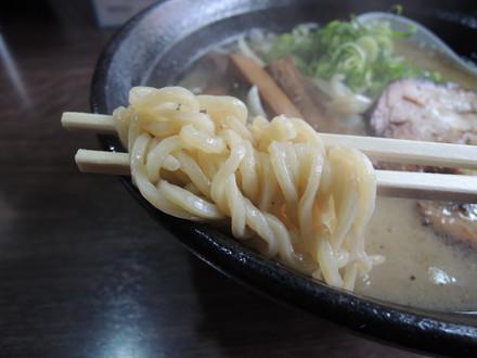 我流札幌ラーメン「飛塩」の麺