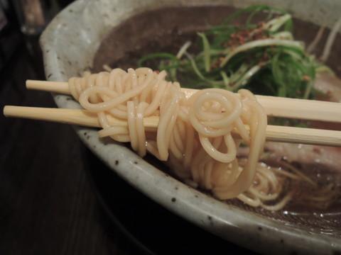 宝山味噌 たまり醤油らーめんの麺