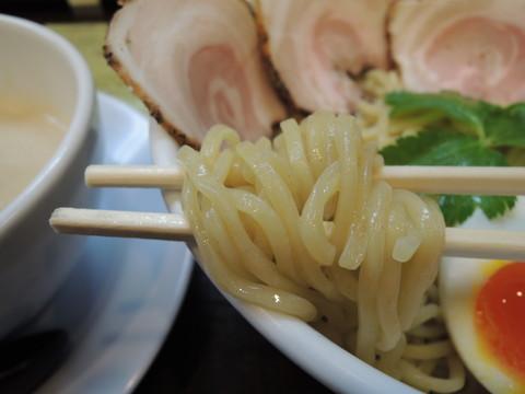 豚CHIKIつけ麺の麺