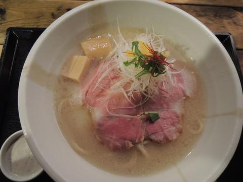 蟹白湯ラーメン2.5(並盛)(900円)