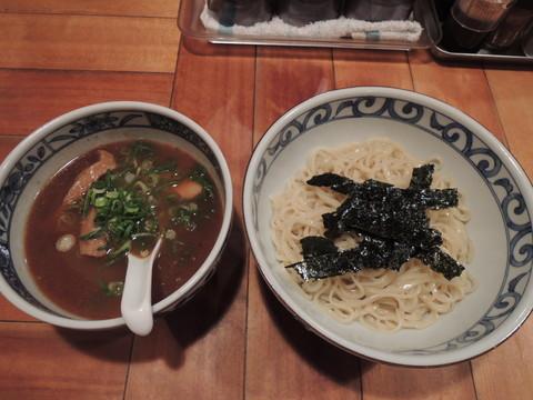鯛だしつけ麺(醤油・平打ち麺)(750円)