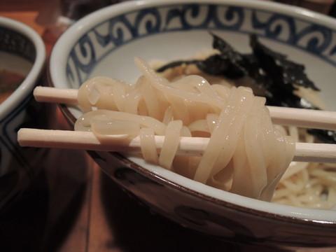 鯛だしつけ麺の麺