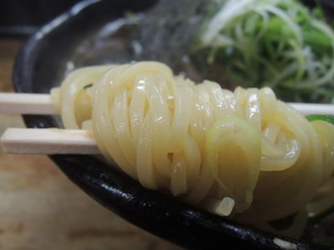 肉醤油の麺