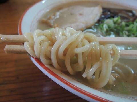 豚骨十割の麺