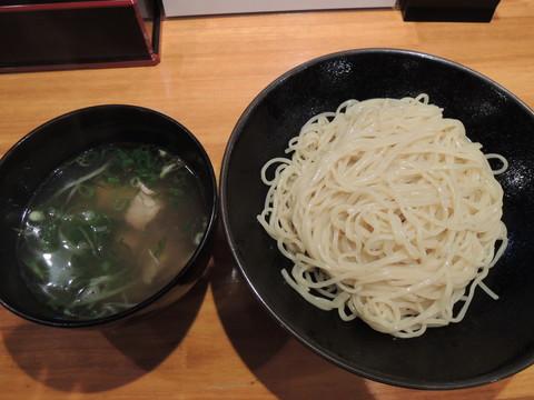 つけ麺(400g)(900円)