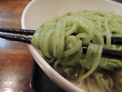 翡翠涼麺(大盛)の麺
