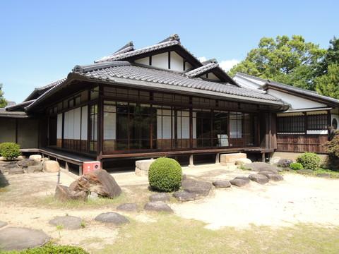 鴻池新田会所(庭園から見た本屋)
