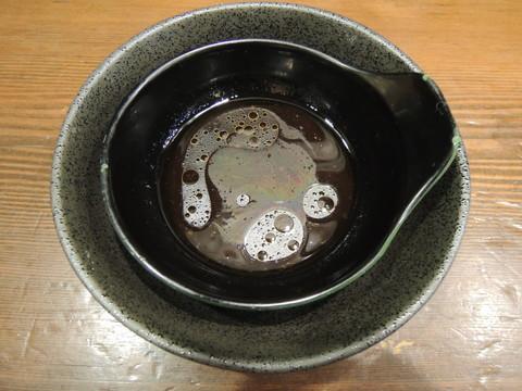 ポン酢とガラ入れの小皿