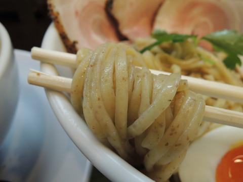 豚CHIKIみそつけ麺(全粒粉麺)2玉の麺