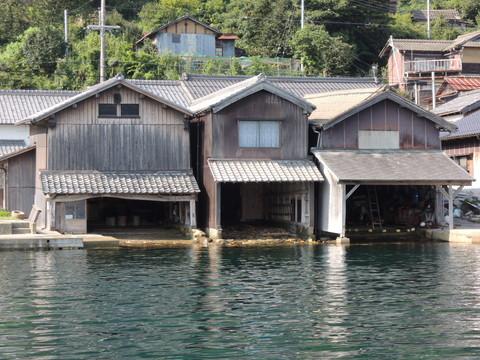 伊根の舟屋(遊覧船からの眺め)