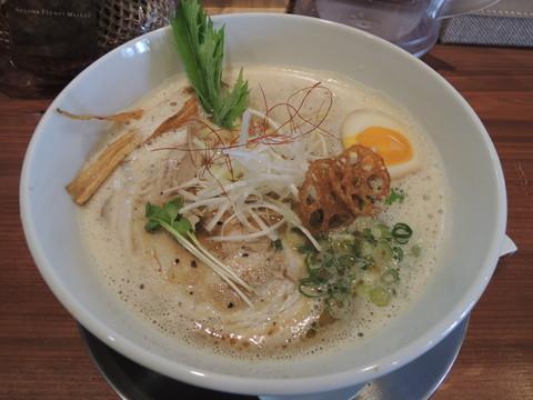 豚だしらぁ麺(中太麺)(680円)
