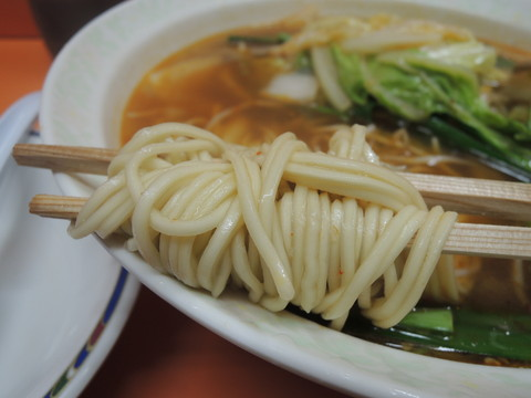 スタミナラーメンの麺
