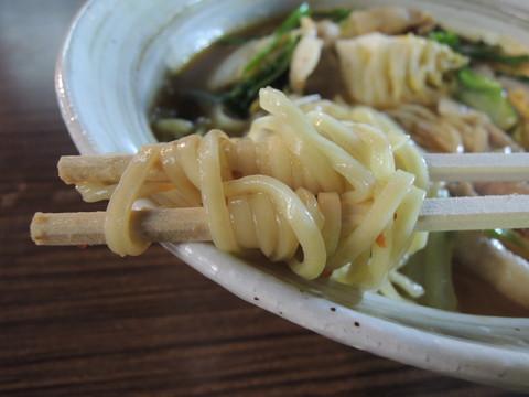 奈良スタミナラーメンの麺