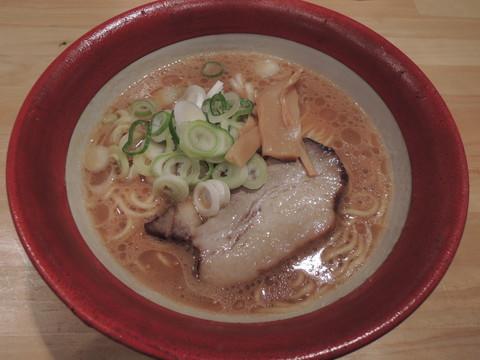 醤油麺(700円)