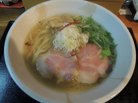 塩らーめん(中盛)(700円)