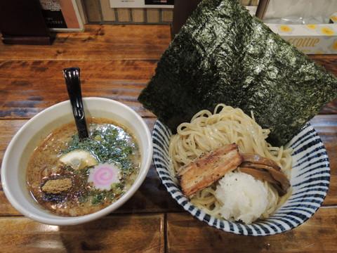 濃厚魚介鶏白湯つけ麺 小(220g)(780円)