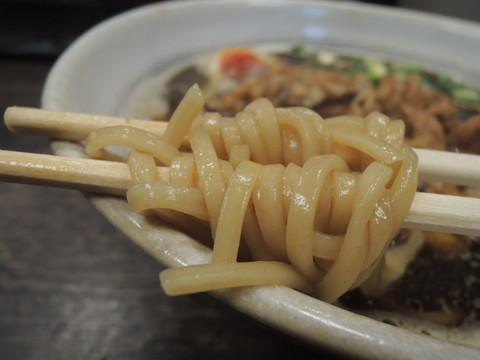 肉そばの麺