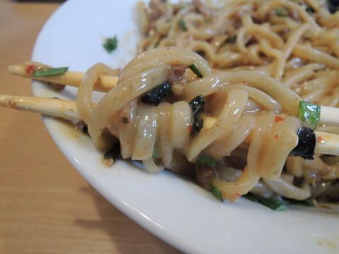 台湾海老まぜそばの麺