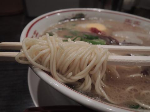 久留米の龍とんこつラーメンの麺