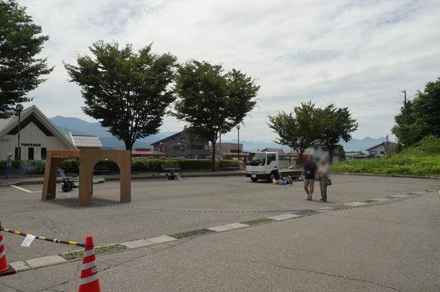 戸狩野沢温泉駅西口に今週末も出現するミニSLの軌道