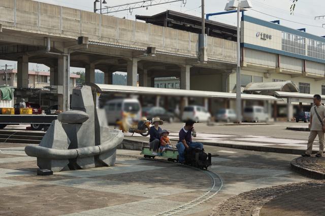 JR東日本・北越急行の十日町駅を見ながら