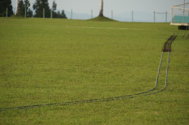 うーんたまらんね芝生の上の軌道