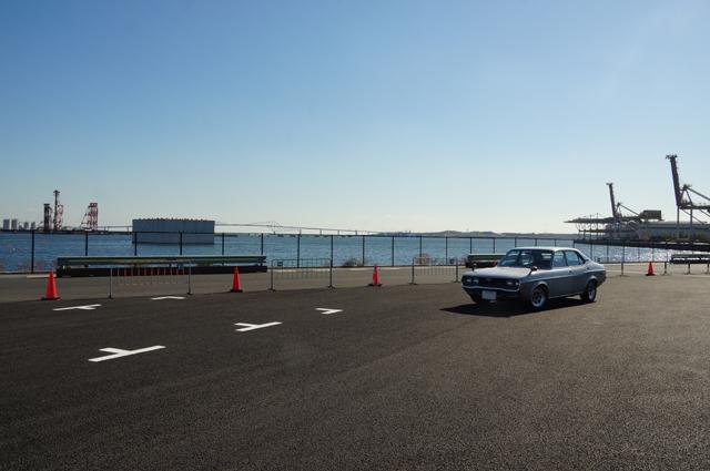 マツダルーチェと東京湾 有明