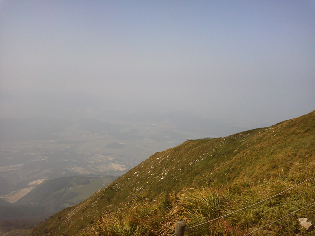 伊吹山山頂より滋賀県の方を見る