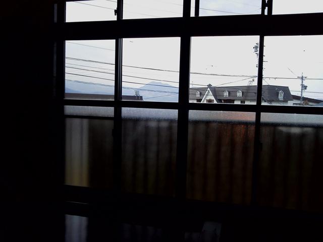 温泉からは高社山が見えます、岸田屋さん