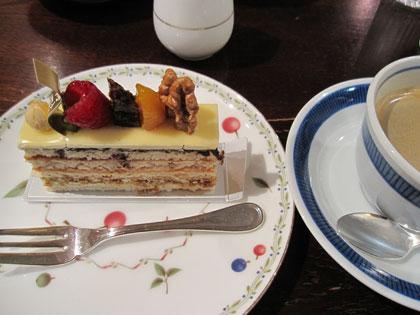 霧笛楼ケーキ