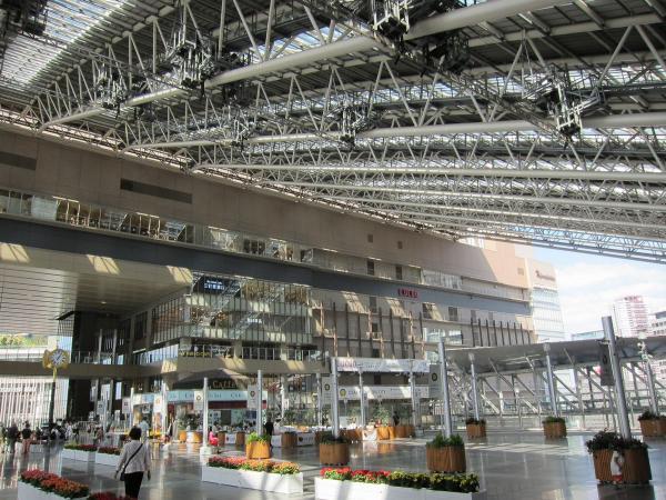 大阪駅2〔フリー写真〕