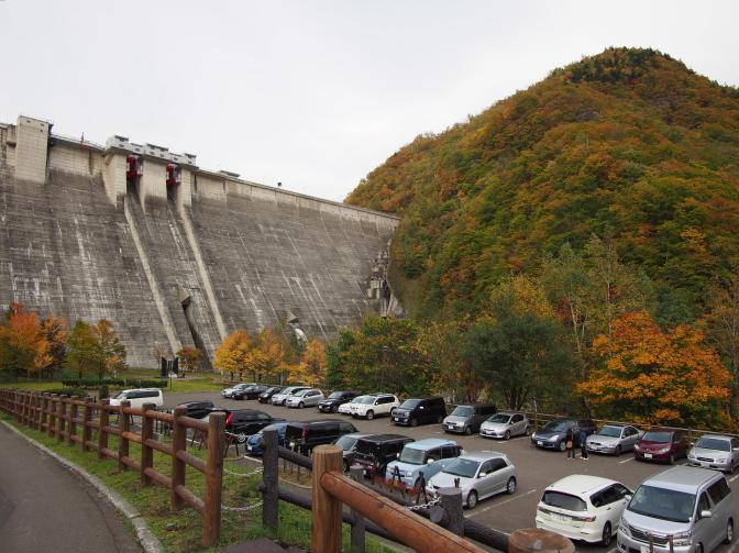 定山渓ダム資料館駐車場