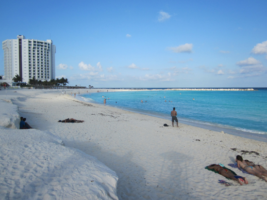 cancunbeach1.jpg