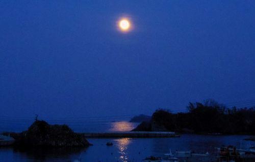 気仙沼本吉7海に映える満月