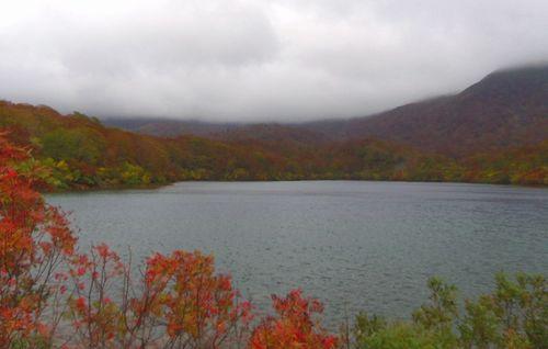 栗駒須川2013紅葉7須川湖