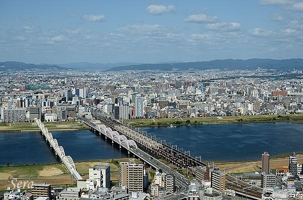 この橋は何橋?大阪のどのあたりが見えてるんだろ?