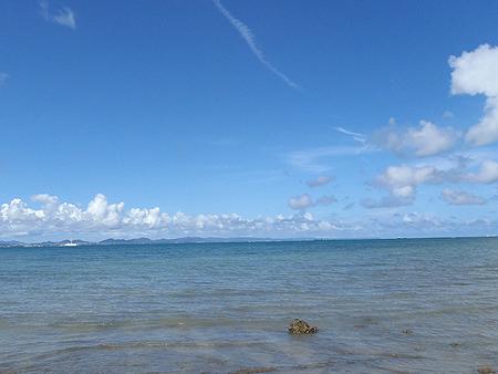 青い空、青い海、ちょっと干潟