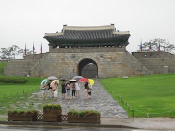 水原華城(スウォンファソン)の蒼龍門