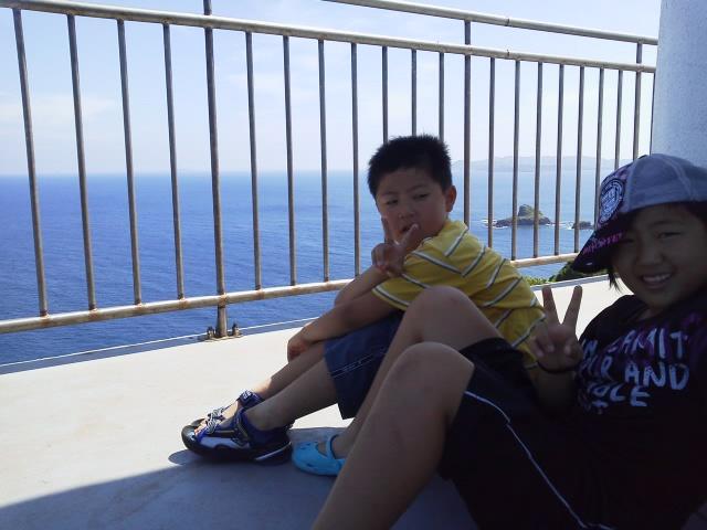 灯台の上で
