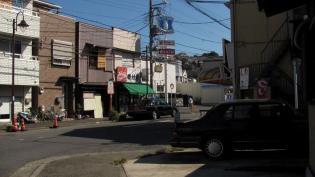 磯村屋、三色(中)(肉、玉子、ポテト)1