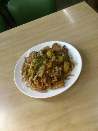 磯村屋、三色(中)(肉、玉子、ポテト)3
