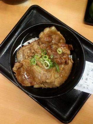 吉野家、ロース豚丼十勝仕立て2