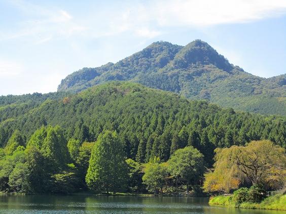 赤川ダムから古賀志山