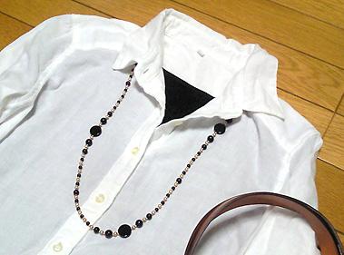 白シャツでシンプルにしました